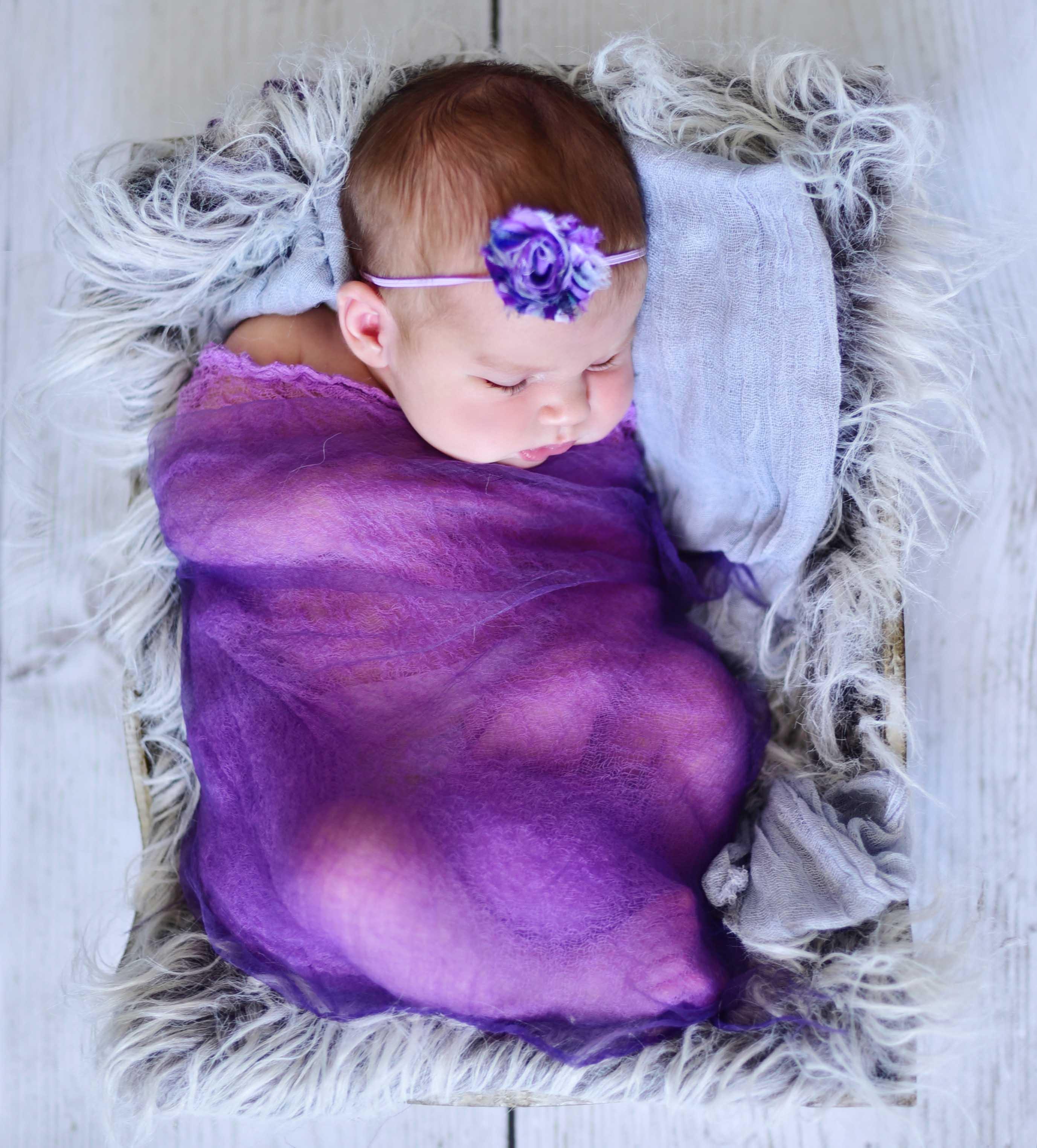 creative newborn portraits, baby images, michelle nyulassie, brighton, east sussex,